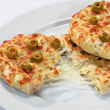 Gefüllte Focaccia mit Oliven